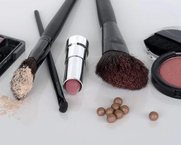 Como fazer uma maquiagem simples e perfeita