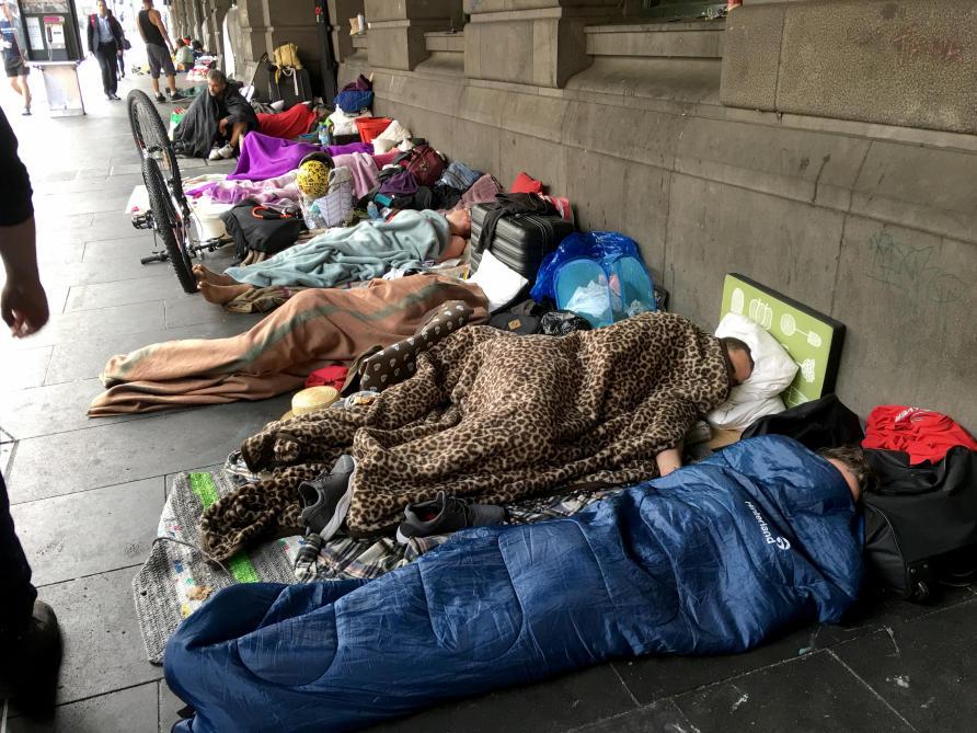 Estudantes australianos de jornalismo fazem um belo trabalho sobre os sem-teto