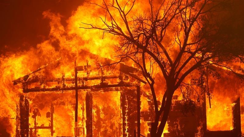 Homem apaga incêndio na California com cerveja