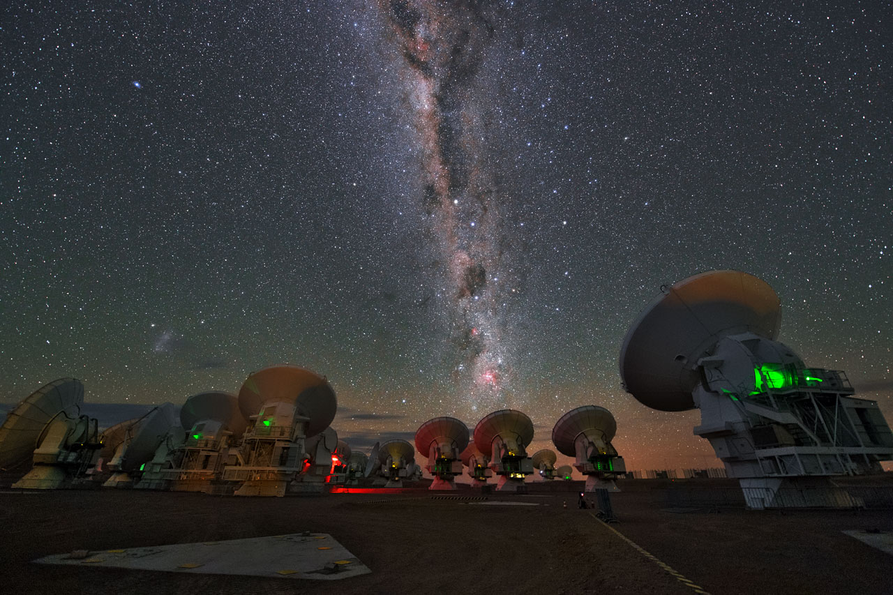Galáxia semelhante à Via Láctea encontrada há 12 bilhões de anos-luz