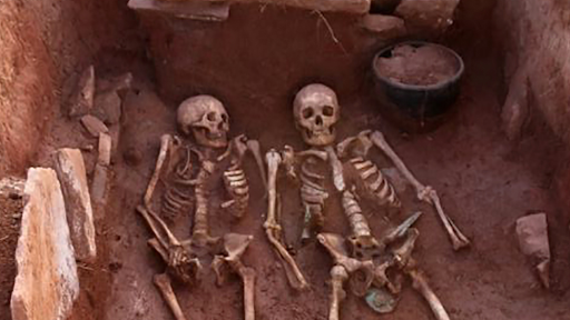 É encontrado na Sibéria o esqueleto de um casal de guerreiros com 2.500 anos