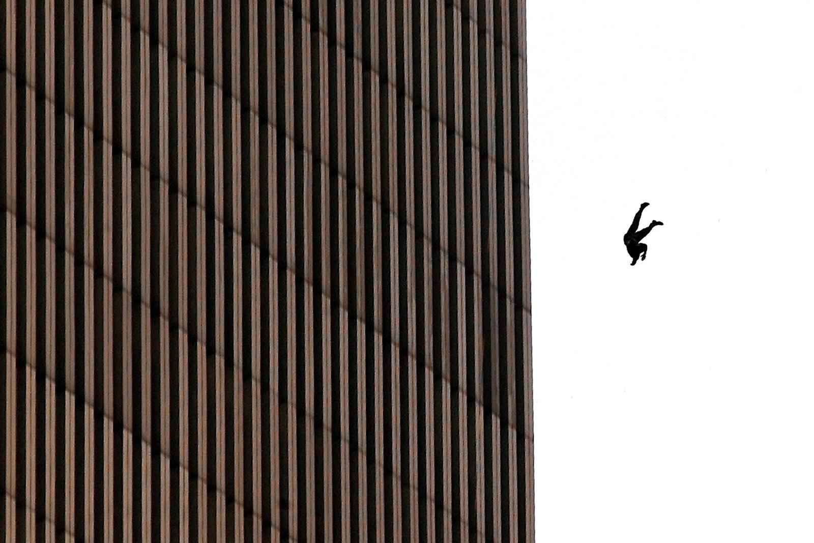 As histórias por trás das fotos mais assustadoras do 11 de setembro