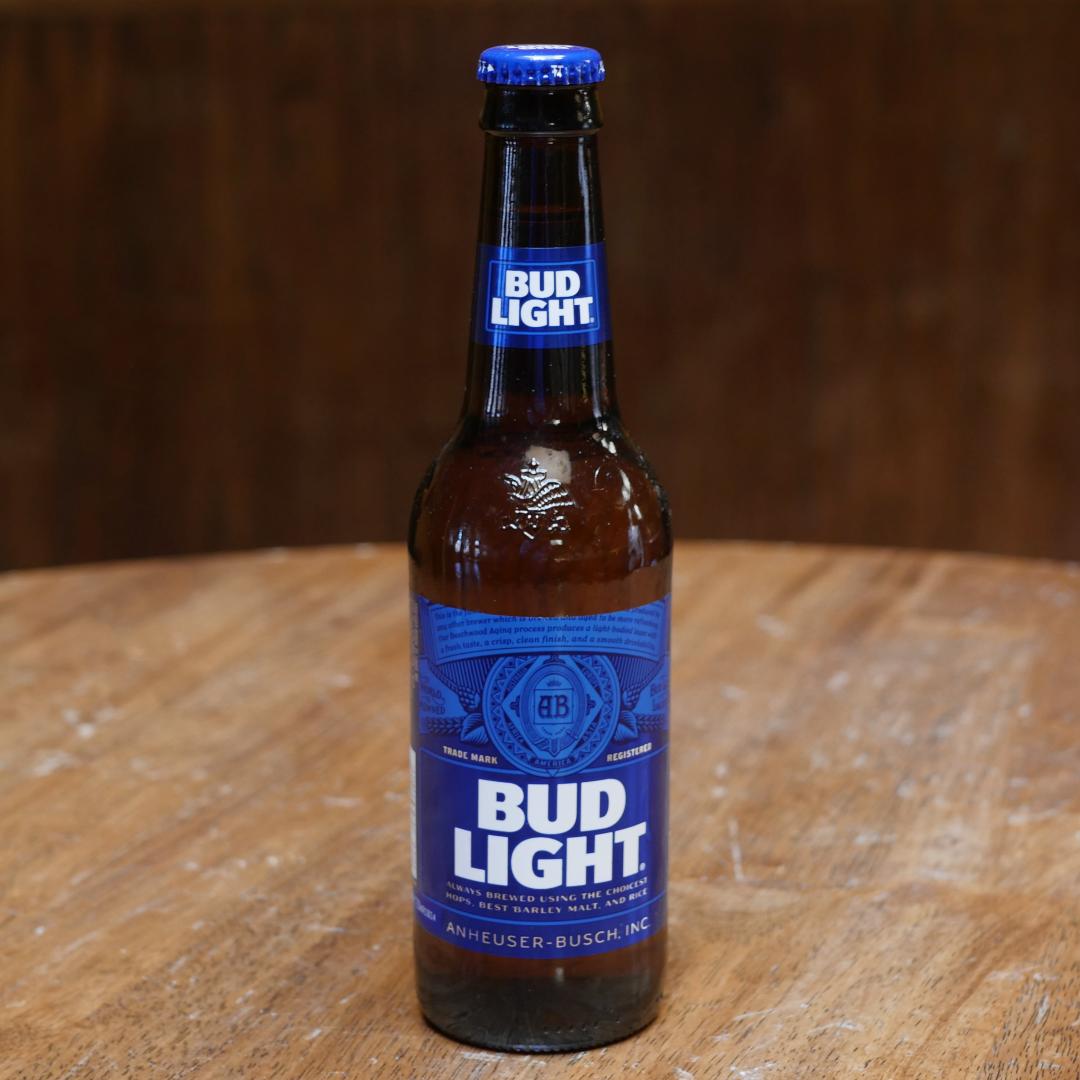 Pai que faleceu a seis anos paga pela primeira cerveja legal do filho