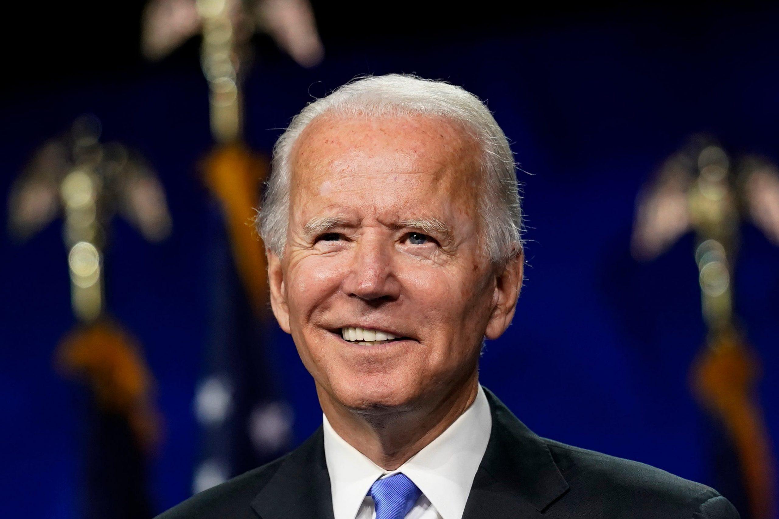 Joe Biden tem maior aprovação do que Trump teve nos últimos quatro anos