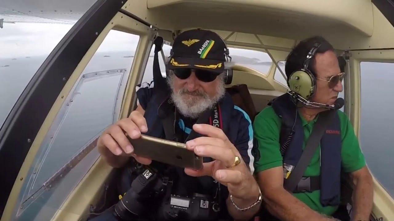 Celular cai de avião, não quebra e a câmera ainda registra tudo