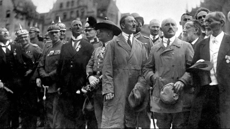Político africano chamado Adolf Hitler vence eleições