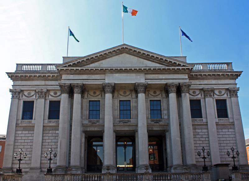 Projeto de vaidade causa hostilidade entre políticos em Dublin