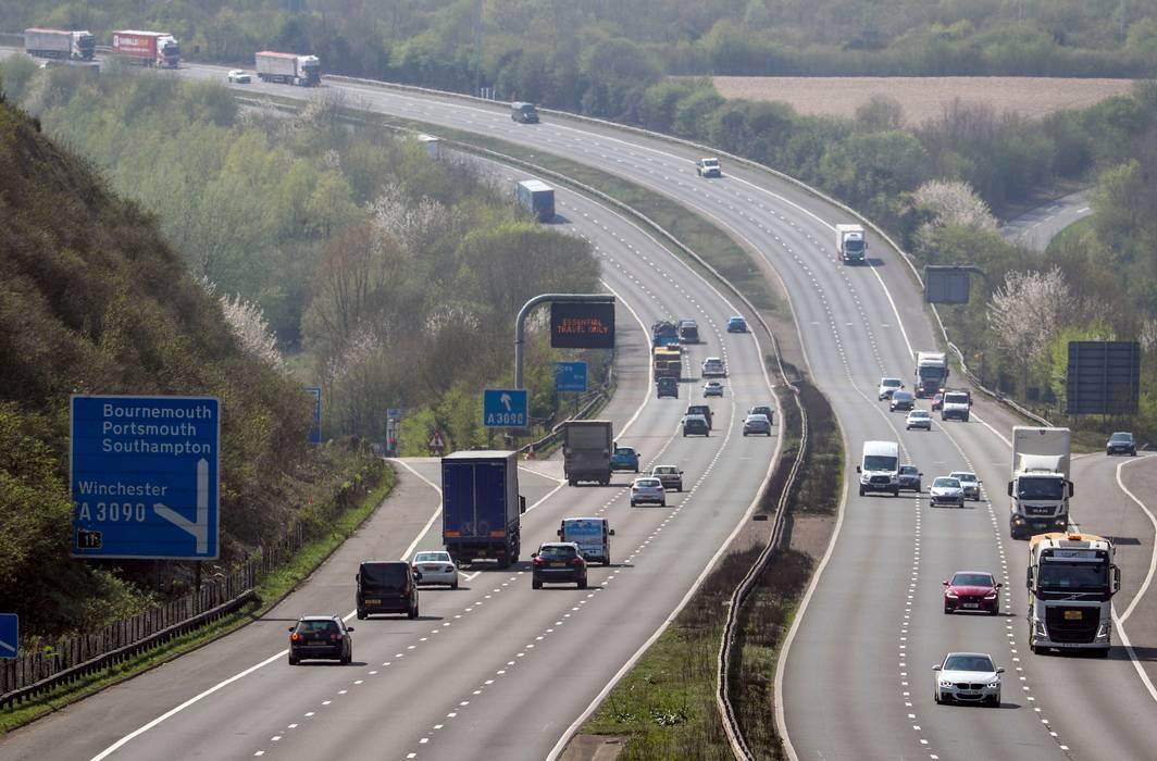 A Grã-Bretanha pode ser o primeiro lugar no mundo onde os motoristas poderão dirigir sem as mãos
