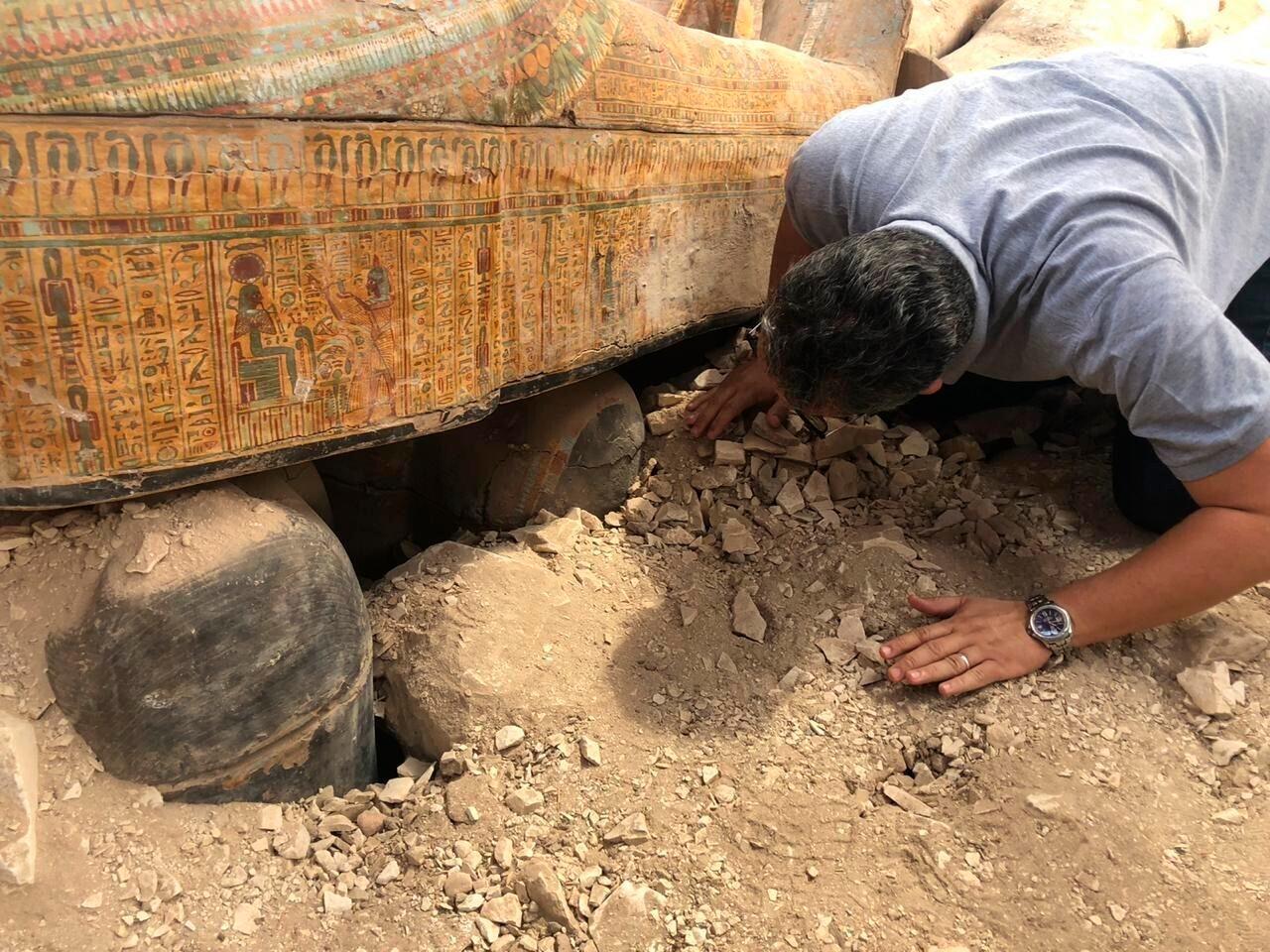 Múmia com língua de ouro é encontrada em cemitério de 2000 anos